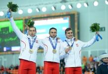 Zbigniew Bródka, Konrad Niedźwiedzki i Jan Szymański z medalami igrzysk w Soczi - fot. facebook.com/szymanskijan