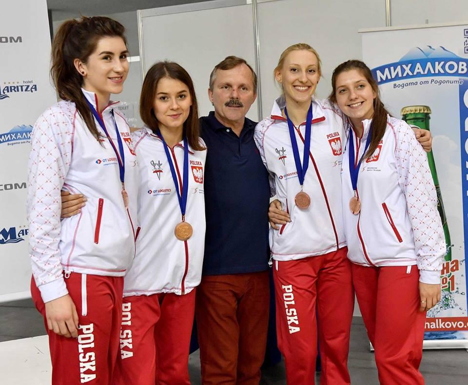 Od lewej: Katarzyna Lachman, Marika Chrzanowska, Paweł Kantorski, Martyna Długosz i Natalia Gołębiowska - fot. Augusto Bizzi / facebook.com/eurofencing